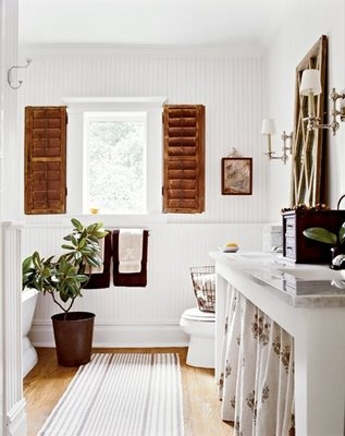 Colonial Bathroom